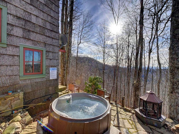 красивый лесной домик 8 (700x525, 553Kb)