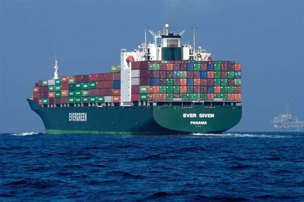 Миллиард долларов: глава Суэцкого канала оценил ущерб отEver Given