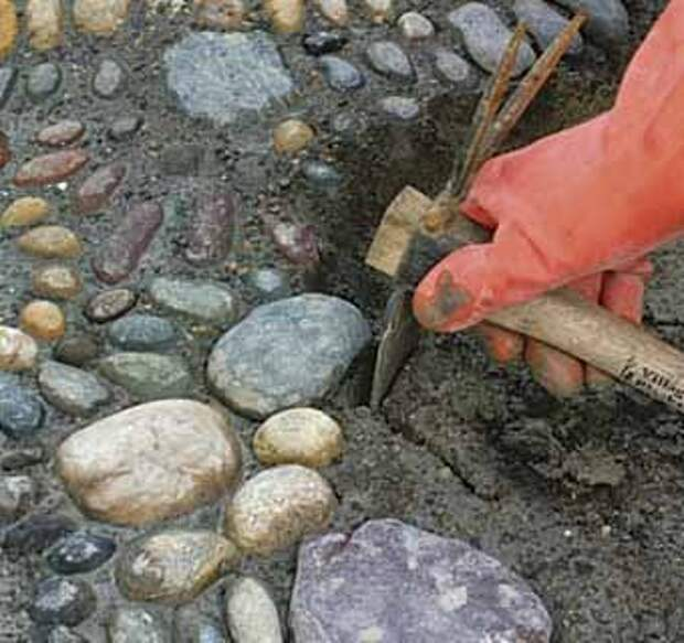 как сделать садовые дорожки с мозаикой из камня своими руками
