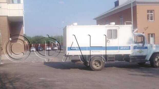 Казанского стрелка завели на заседание суда об аресте