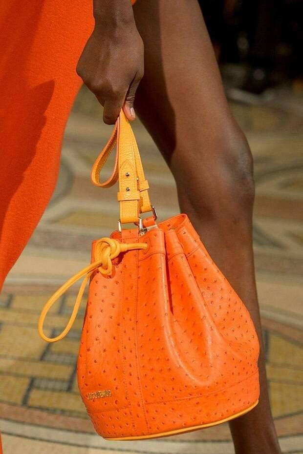 7 сумочек, на которые модницам стоит обратить внимание этой весной