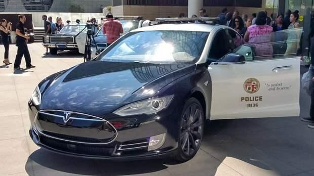 """Криминальные семьи США выражают благодарность Илону Маску и компании """"Тесла""""!"""