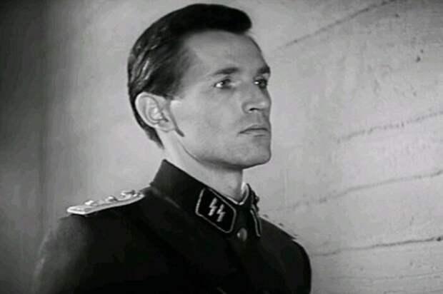 Станислав Любшин в роли Александра Белова (Иоганна Вайса) | Фото: domkino.tv