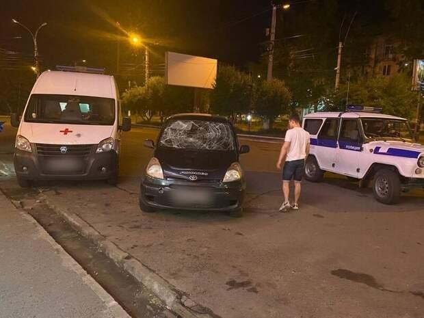 Мужчина разбил лицо возлюбленной и её машину в центре Читы