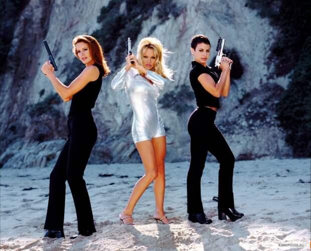 Памела Андерсон и другие девушки с характером в промо фотосессии к сериалу V.I.P.