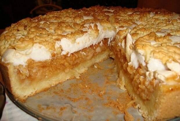 Яблочный пирог-суфле, в котором много яблок и мало теста