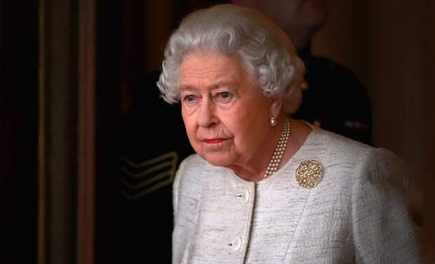 Королева Елизавета II выступила с первым заявлением после смерти принца Филиппа