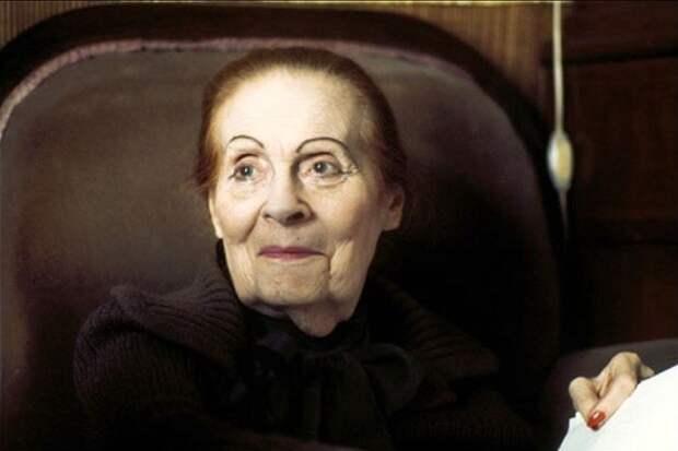 Лилия Брик сводила с ума мужчин с первого взгляда. Своим нарядом  © Lemurov.net Источник: