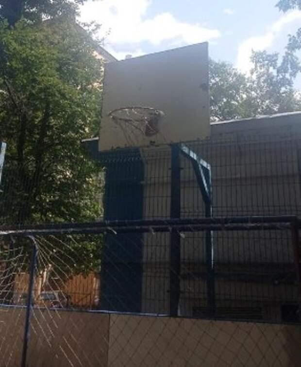 Оборудование для игры в баскетбол на Верхней Масловке в исправном состоянии — управа
