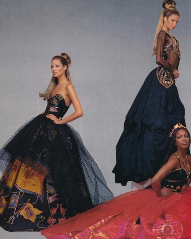 Знаменитые рекламные кампании Versace в 90-е: