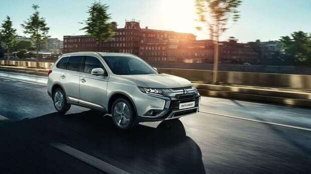 Объявлен отзыв нескольких тысяч машин Mitsubishi Outlander в России
