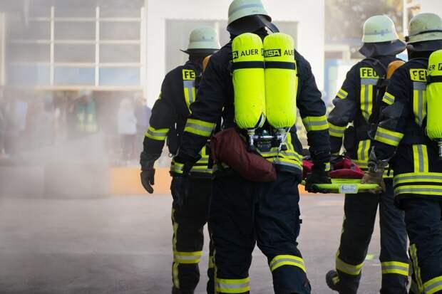 На Новокуркинском шоссе загорелась квартира