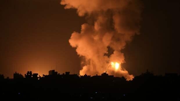 Очередная жилая высотка разрушена ракетным ударом Израиля в Газе