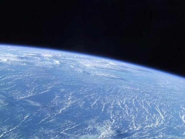 Выход в открытый космос (33 фото)