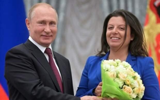«Тебе нельзя»: в Сеть попало необычное видео Путина и беременной