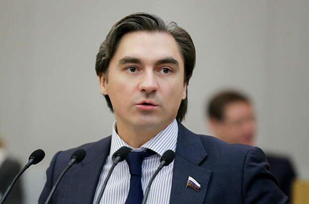 Депутат прокомментировал ужесточение политики WhatsApp