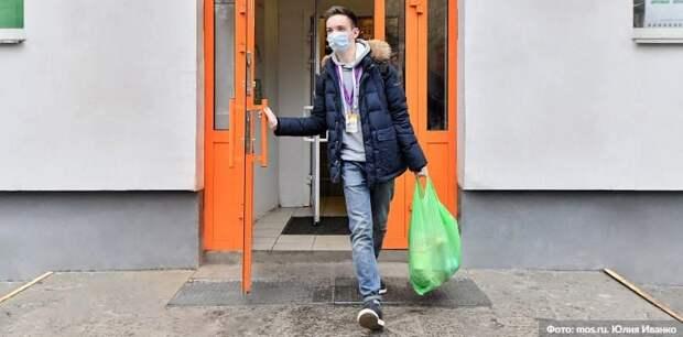 В торговых центрах ЮАО за день выявили 47 нарушителей масочного режима. Фото: Ю.Иванко, mos.ru
