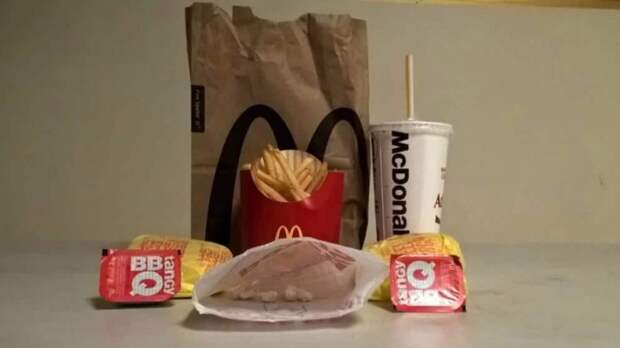 Сотрудник McDonald's «подсыпал» кокаин в гамбургеры