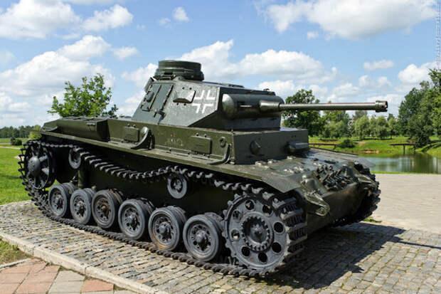 Немецкий танк PanzerBefehlswagen III Ausf E1. Музей военной технике на Буйничском поле.