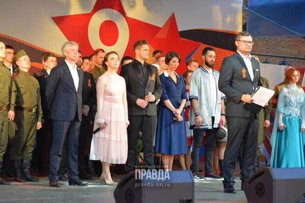 LIVE: смотрим концерт «Военные песни у кремля»