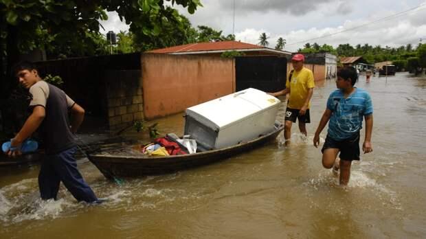 Наводнение в Гватемале подрывает антимиграционные усилия США