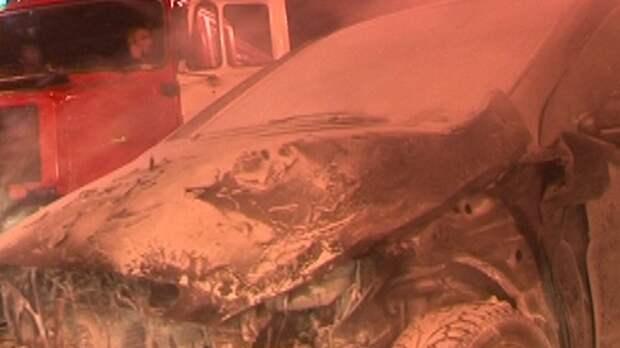 Крупный пожар в Астрахани охватил 12 автомобилей