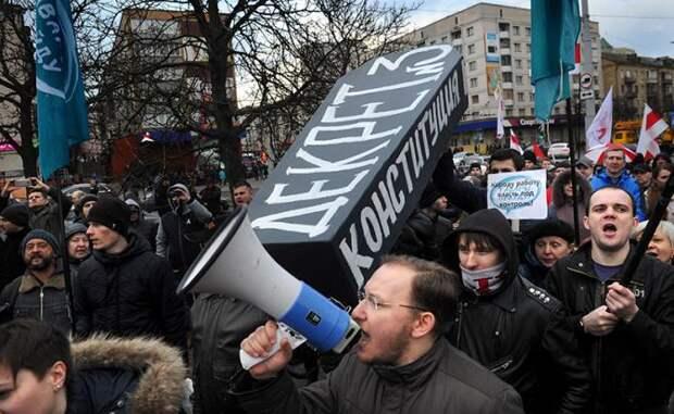 Лукашенко — Порошенко: «Не брат ты мне теперь, Петро»
