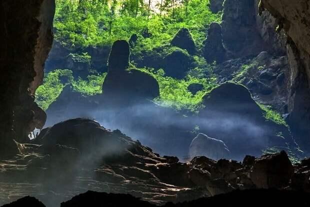 Затерянный древний мир пещеры Шондонг