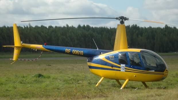 Спасатели ищут четвертого пассажира упавшего вертолета в Архангельской области