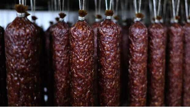 На Украине потребовали декоммунизировать колбасу
