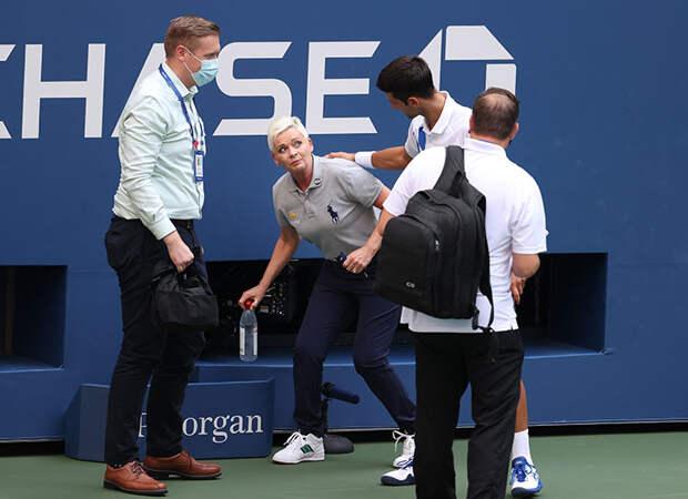 Первая ракетка мира Новак Джокович дисквалифицирован с US Open из-за удара мячом в судью
