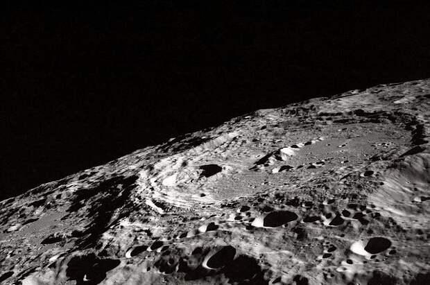 Канада отправит луноход и астронавта на Луну в ближайшие пять лет