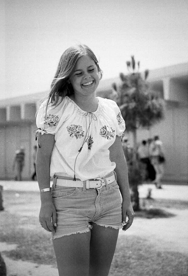 Портреты студенток из небольшого калифорнийского городка Los Alamitos, снятые их сокурсником в 1970-73 годах.