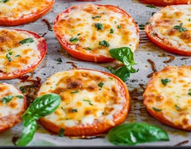 Помидоры, запечённые с сыром. \ Фото: pinterest.es.