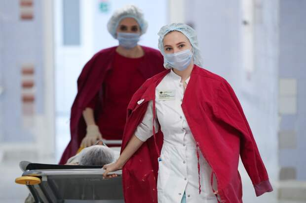 «Я помню глаза пациента»: медсестры рассказали о своей работе