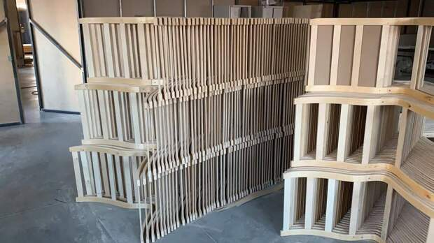Десятки рабочих мест создали в новом цехе сборки мебели в Щелкове