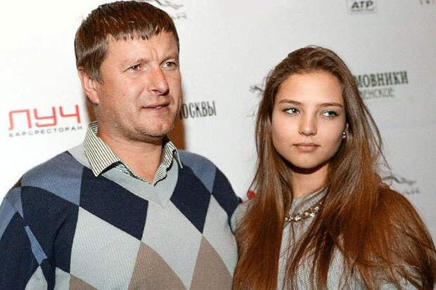 Давно пора. Фанат Ельцина и борец с «ватниками» Кафельников покидает Россию.