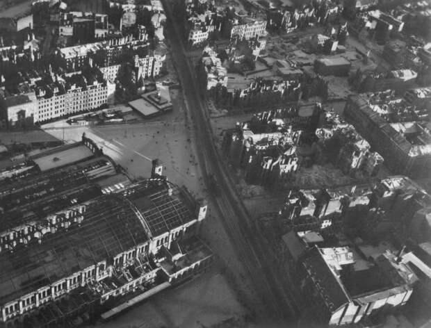 1178 Послевоенный Берлин с высоты птичьего полета