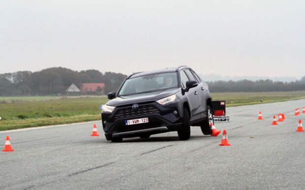 Camry, RAV4, Corolla, Mazda 3... -  проверка «лосиным тестом»