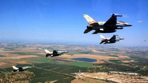 Авиация Израиля продолжает наносить удары по жилым районам сектора Газа