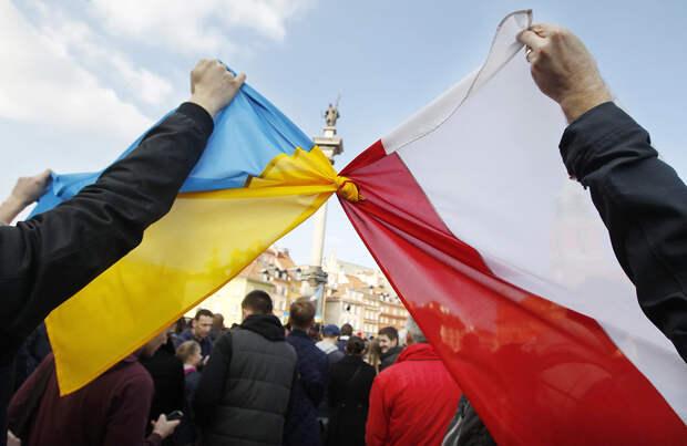 Как Прибалтика и Польша «воюют» на стороне Киева