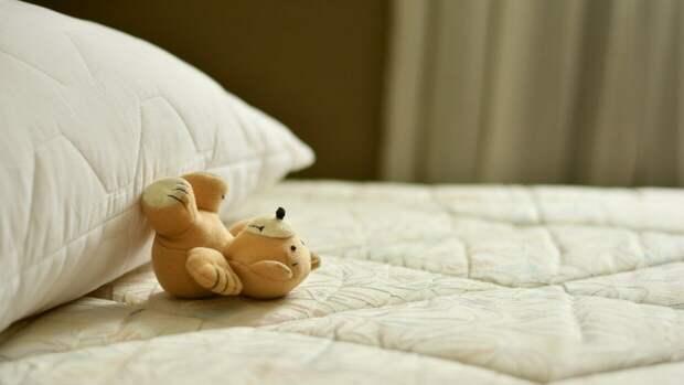 Блогер из Австралии предложила способ проверить срок годности подушки