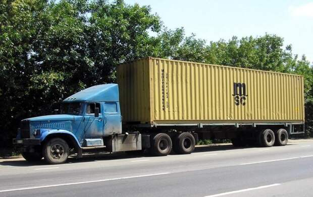Самым, пожалуй, благодатным для «перепила» тех лет грузовиком был КрАЗ. 90-е, грузовик, дальнобойщики, тюнинг