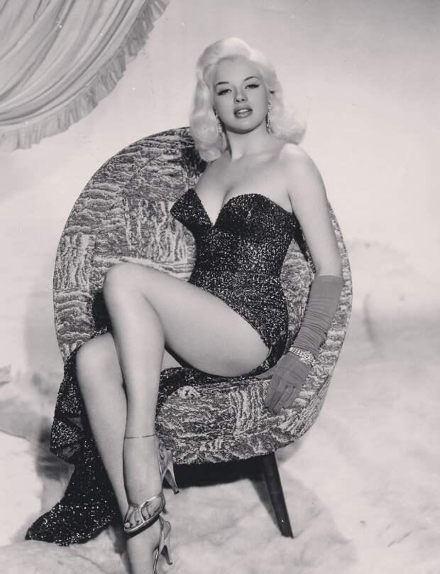Секс-символ 1950-ых Диана Дорс