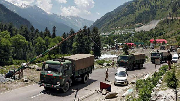 В Кремле обеспокоены ситуацией на границе Индии и Китая, сообщил Песков