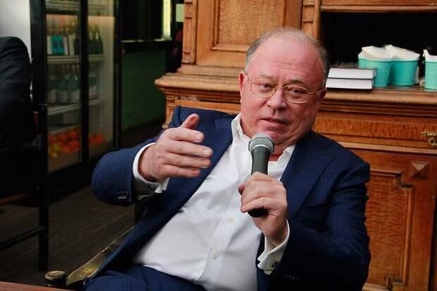 Караулов предположил, что Госдума станет двухпартийной, ЛДПР и КПРФ из нее вылетят