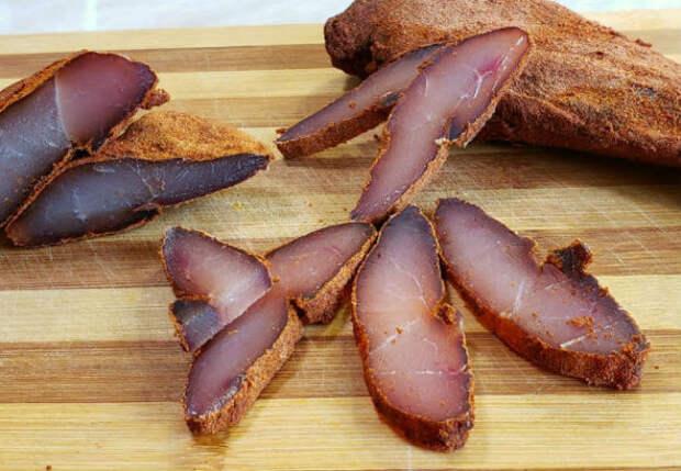 Берем куриную грудку и превращаем в бастурму: вкуснее колбасы