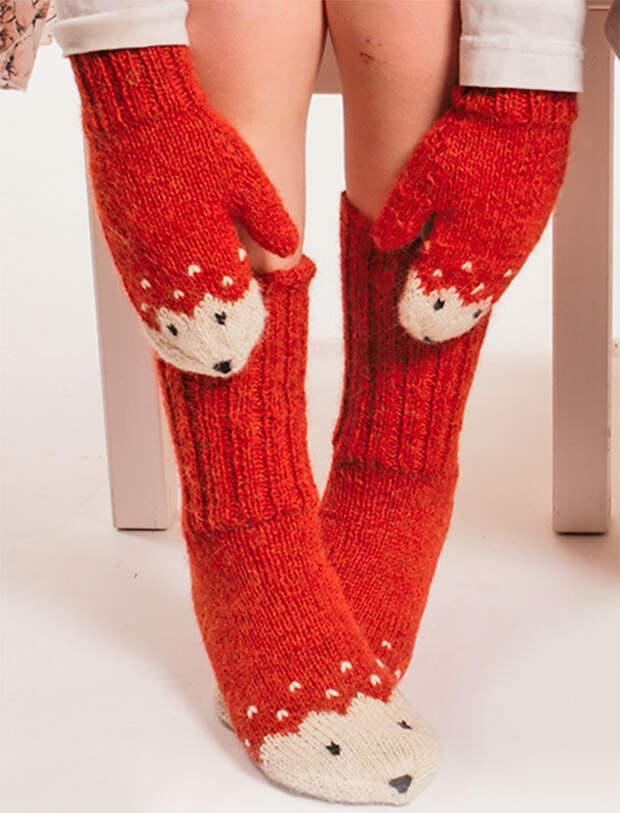 Набор лисички: варежки и носки вязание, новый год, подарки