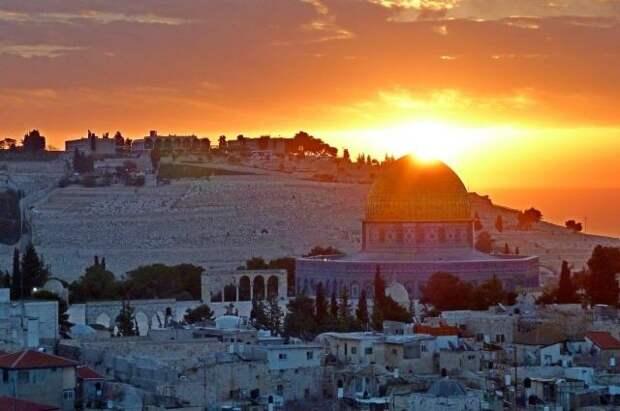 СМИ: стычки полиции Израиля и палестинцев происходят на Храмовой горе