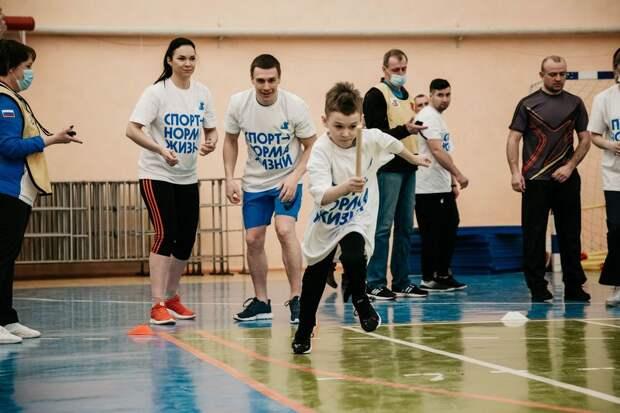 ЗОЖ начинается с семьи: спортивный праздник объединил почти 100 семей из разных уголков Тверской области